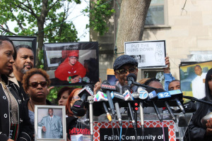 Spike Lee planked by parents of murdered children in Chicago